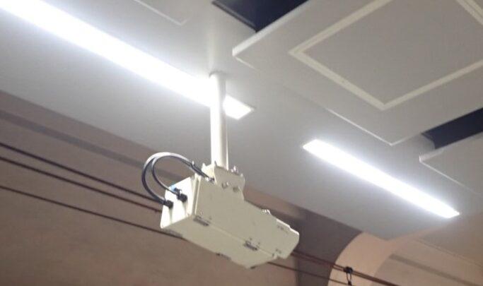 駅CCDカメラポールおよび取付架台