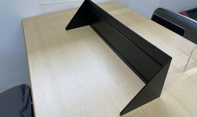 黒マットアクリルカバー